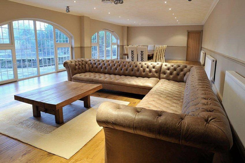 дорогой угловой диван честер
