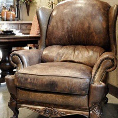 кожаное классическое кресло