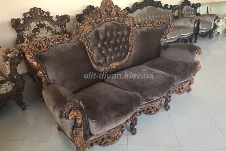 диван трехместный в стиле барокко