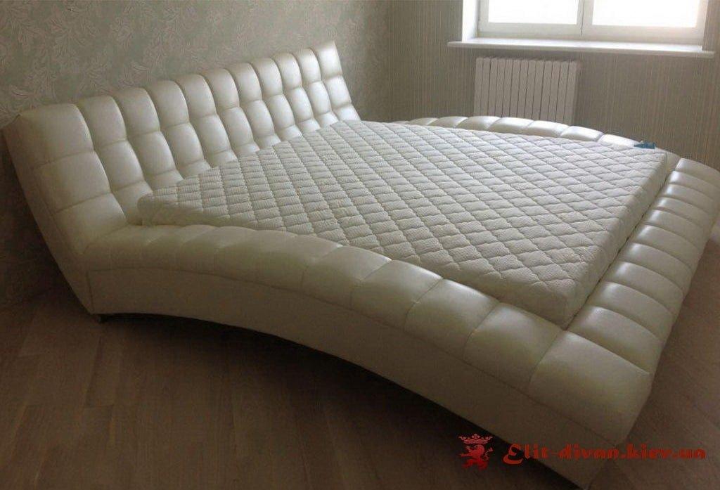 изогнутая кровать на заказ