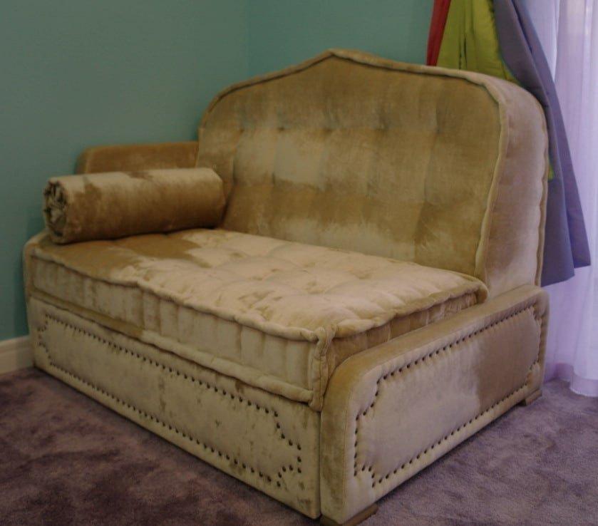 необычные кресла в восточном стиле