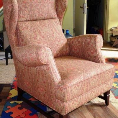 кресло с индийским принтом