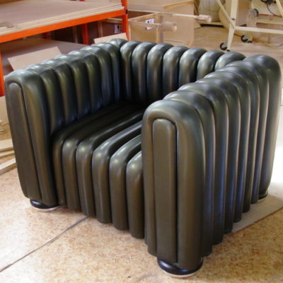 заказное кресло в полоску