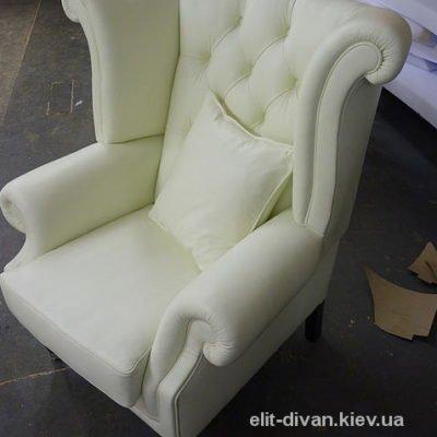 Біле крісло на замовлення