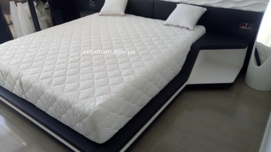 стеганая кровать