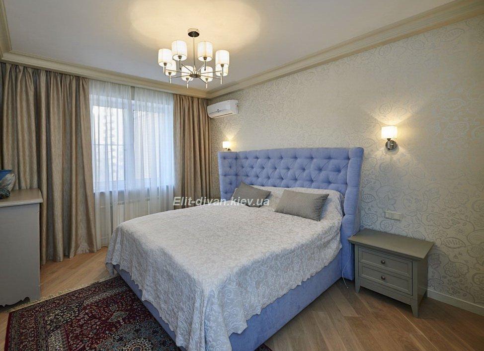 голубая мягкая кровать на заказ