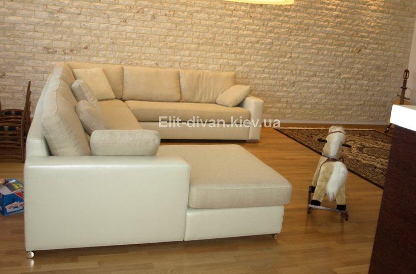 диван с подушками кожа