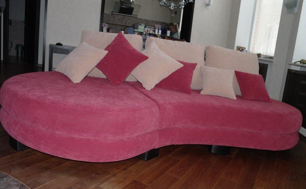 радиусный диван в прихожую под заказ