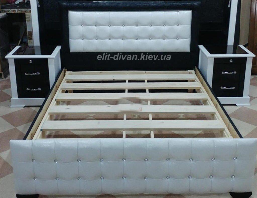 белая кровать авторская