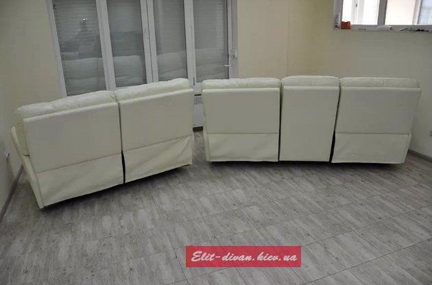 белый офисный диван