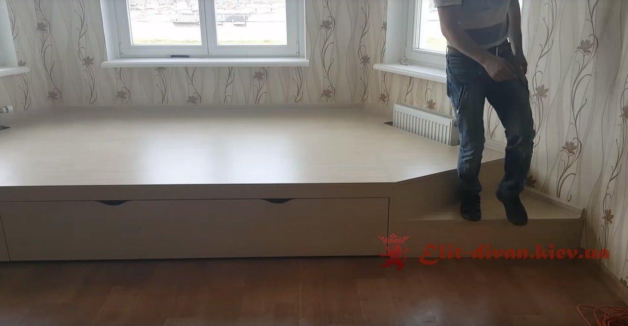 кровати для маленькой квартиры