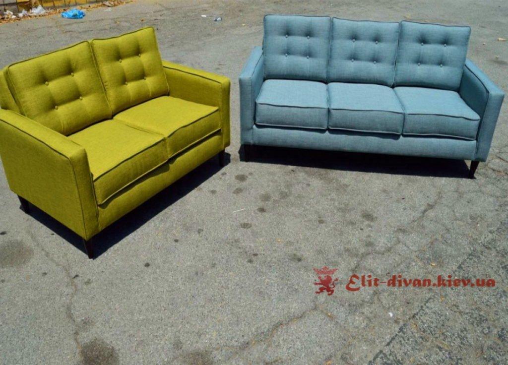 желтый и синий диван