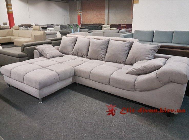 белый угловой фирменный диван