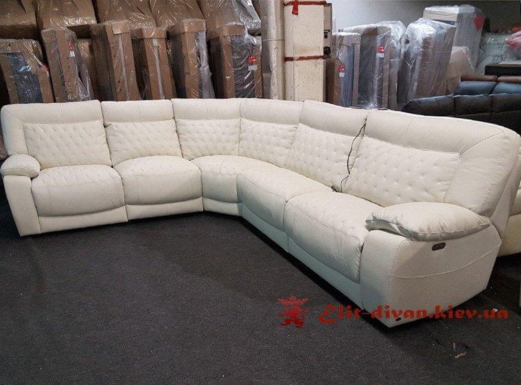 большой фирменный угловой диван
