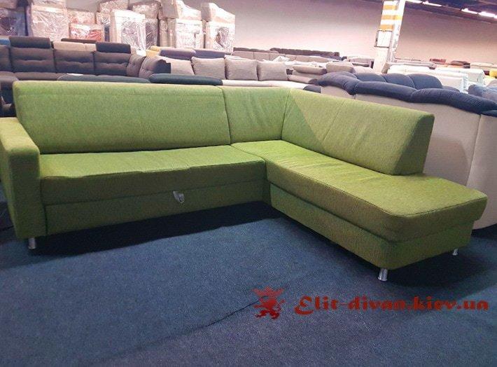 зеленый кухонный фирменный диван
