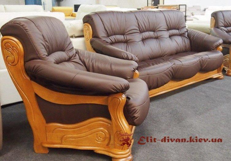 кожаные деревянные кресла