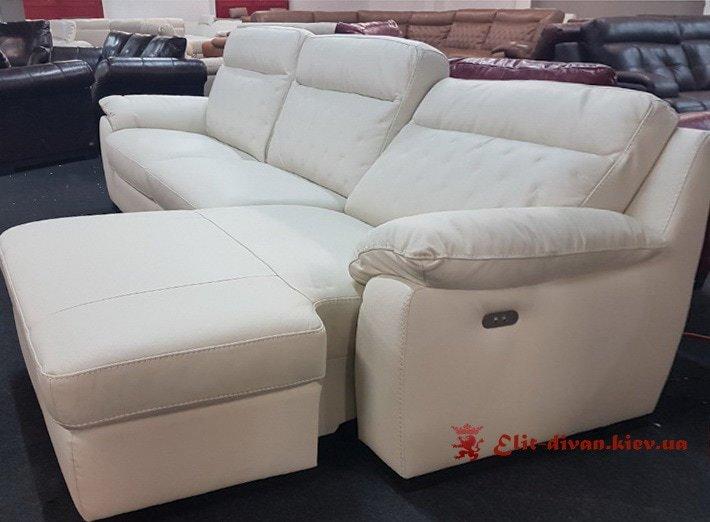 фирменный диван