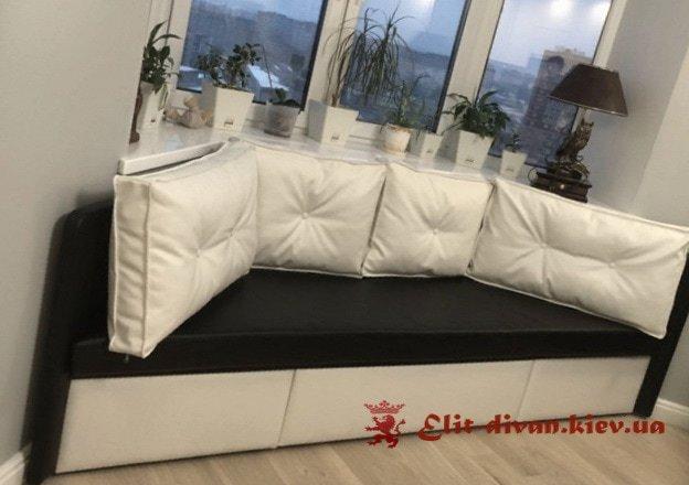 эркерный диван в кухню