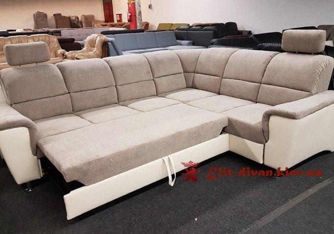 бархатный диван серого цвета