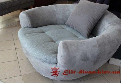 круглый классический диван с подушками на заказ