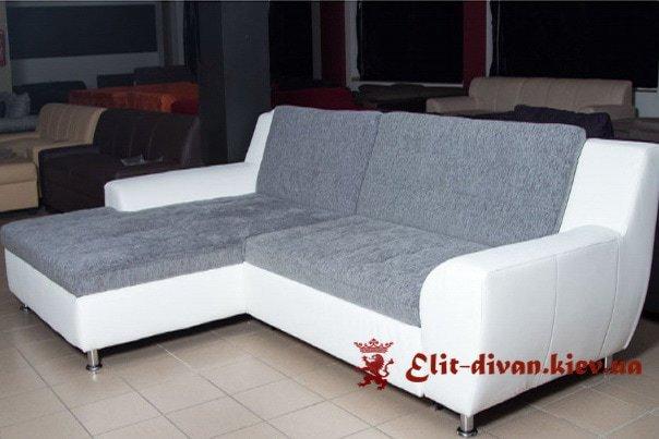 белый классический диван -кровать