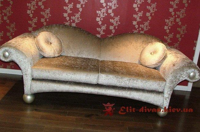 Прямой диван на заказ белый