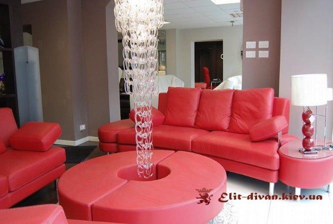 красный мебельный гарнитур