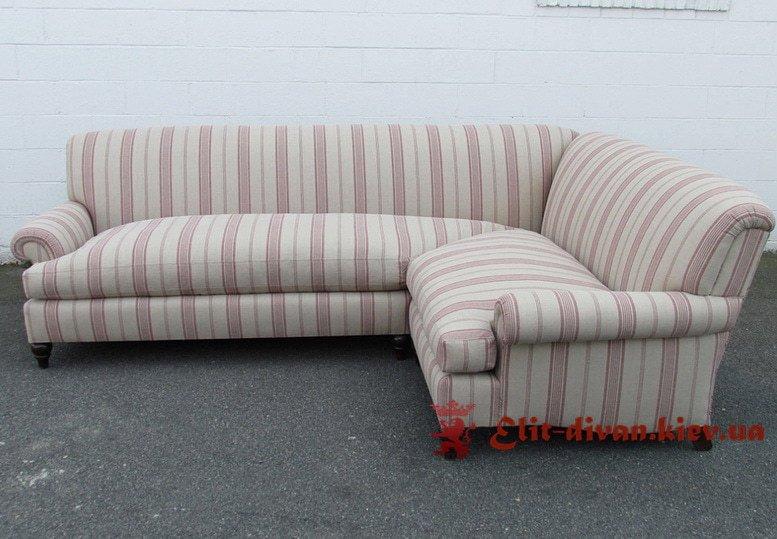 полосатый серый угловой диван