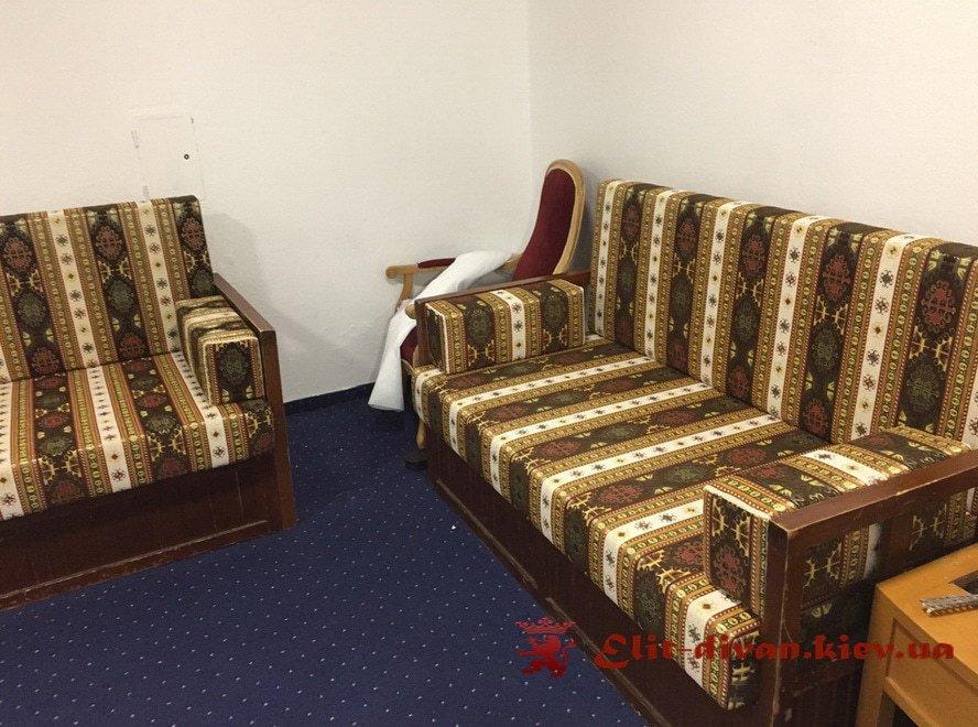 полосатный диван в ресторан на заказ