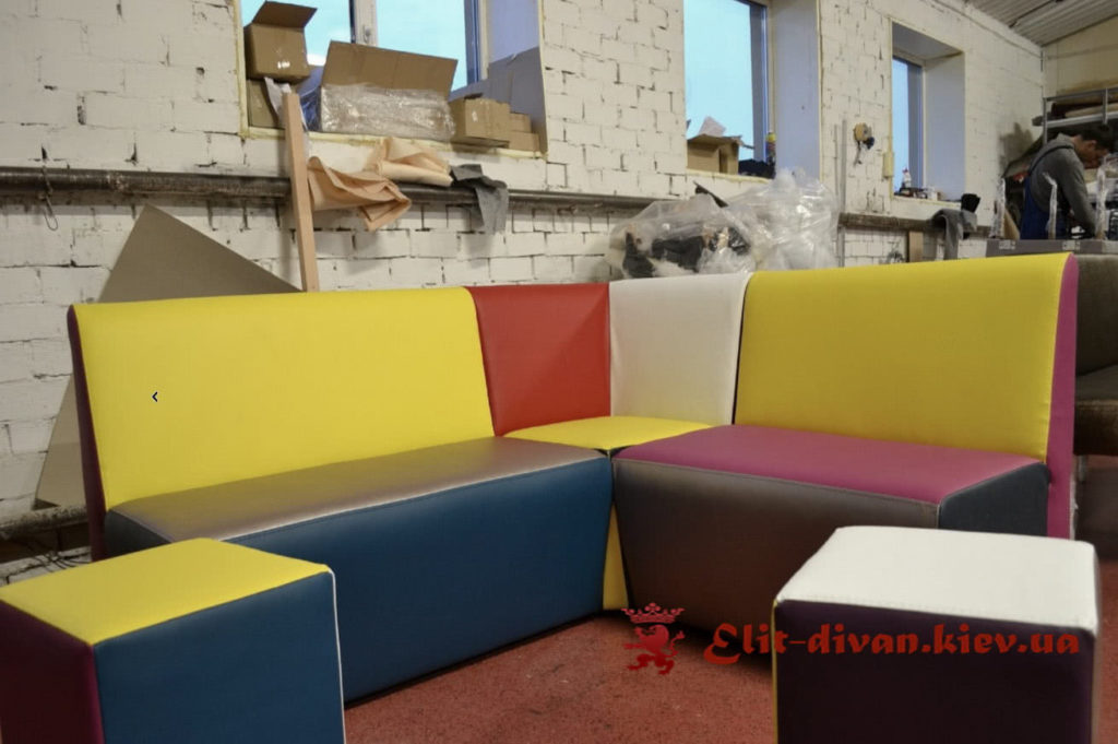 цветной диван в детский ресторан под заказ