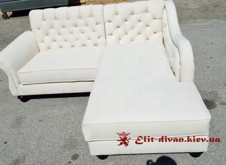 угловая мягкая мебель белого цвета Честер