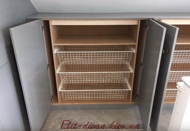 выдвижные карзины в шкаф мансарды