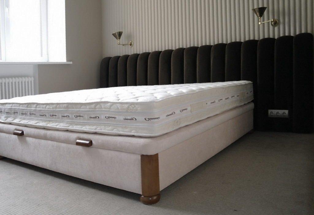 недорогая авторская кровать