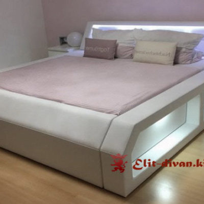 Мягкая кровать в спальню под заказ в виде Самолета