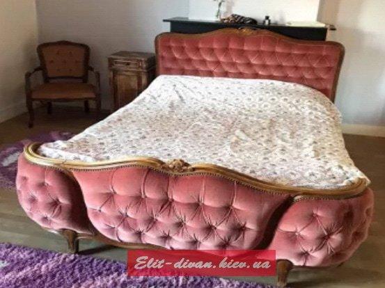 мягкая кровать барокко