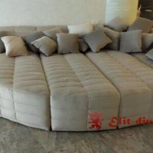 фирменный диван кровать