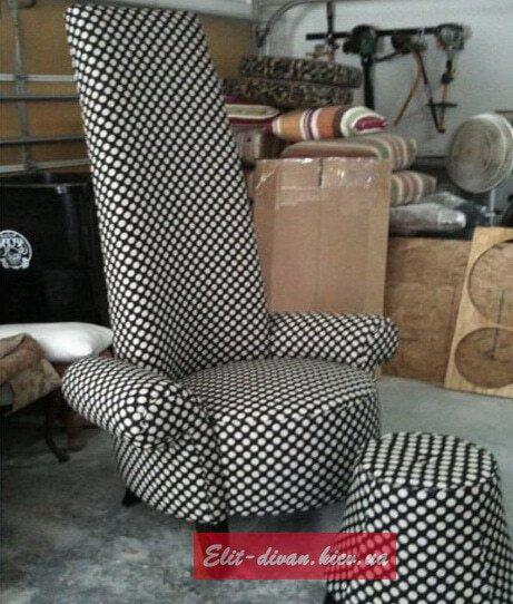 высокое кресло