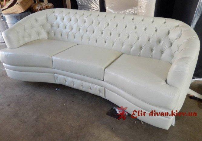 Прямий диван білого кольору (Ірпінь)