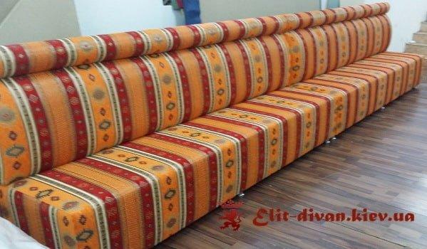 фото прямого дивана на замовлення