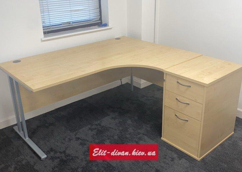 Заказзная мебель для офиса Крещатик