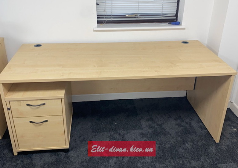 Заказзная мебель для офиса Нивки