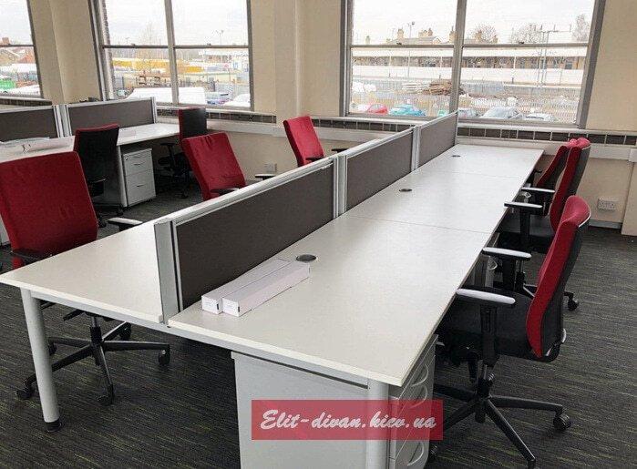 стол для компьютера в офис