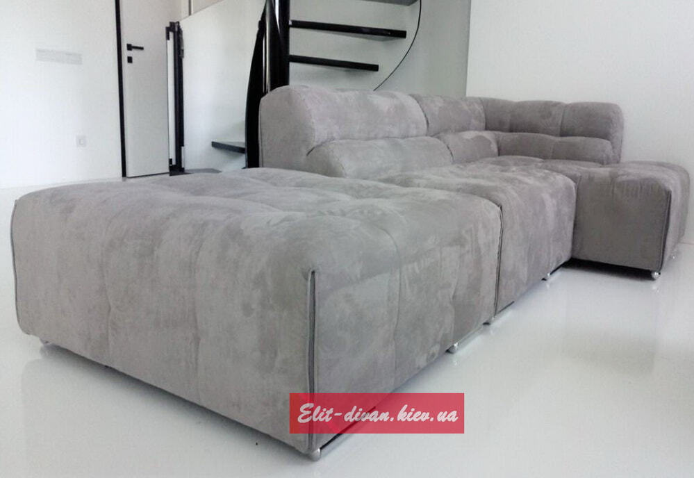 диван с вельветовой обивкой