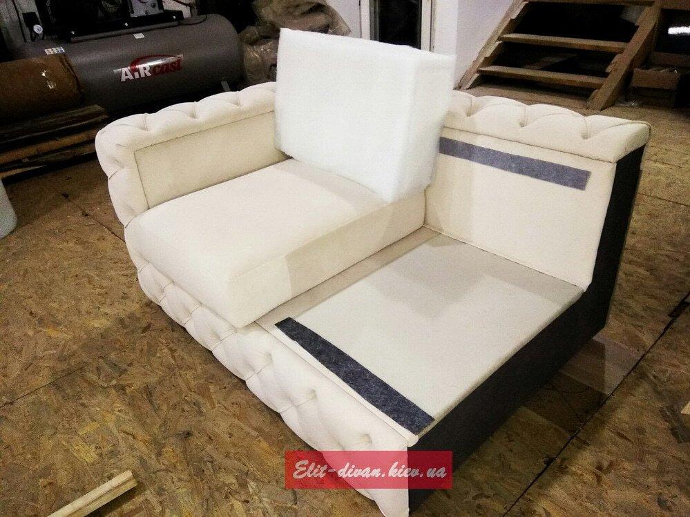 угловой диван в гостинную Вишневое на заказ