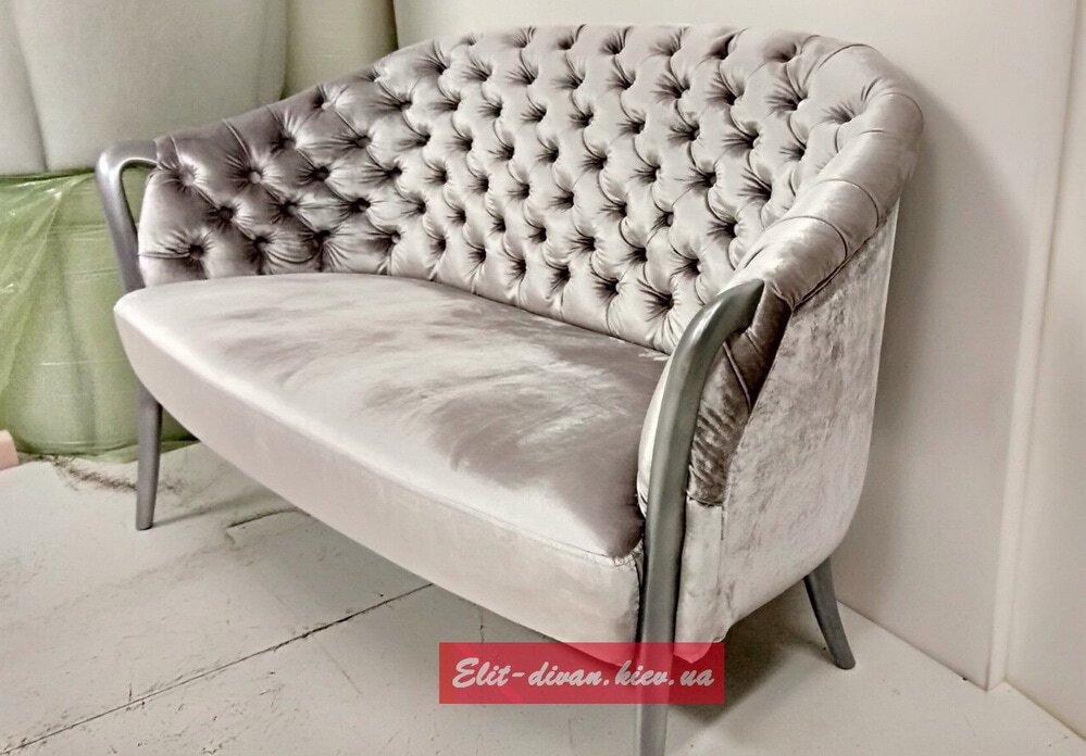 прямой диван в стиле модерн по фотографии