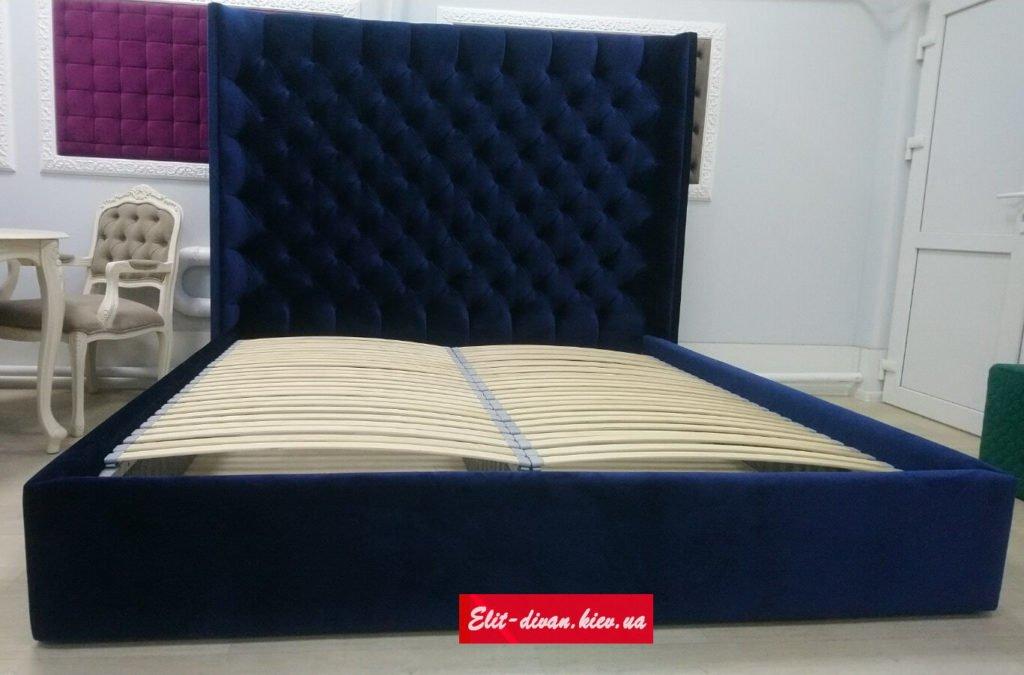 Синяя двуспальняя кровать