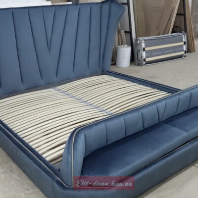 Кровать с мягим сидением под заказ в Киеве