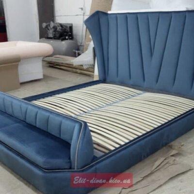 мягкая кровать со скамейкой под заказ