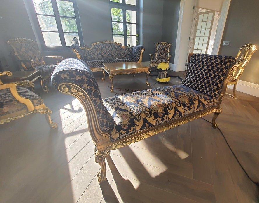 комплект заканой мягкой мебели в стиле ренесанс